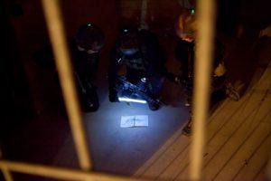 Éclairage de secours en zone obscure avec bâton lumineux Cyalume