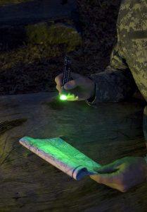 Bâton Chemlight vert 15cm pour lecture de carte
