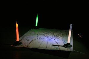 Bâtons lumineux cyalume sur bases magnétiques pour éclairage d'appoint