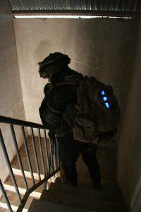 Identification militaire avec baton Chemlight bleu 15cm