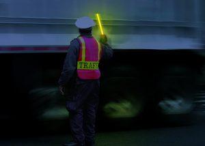 Inspection chargement camion par police