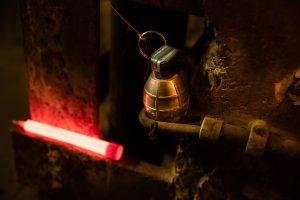 Marquage de grenade avec baton Cyalume rouge