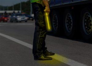 Signal lumineux Cyalume pour aide à la circulation routière