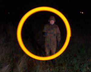 Signal d'urgence et de localisation SOS orange lors d'activités de recherches et sauvetage