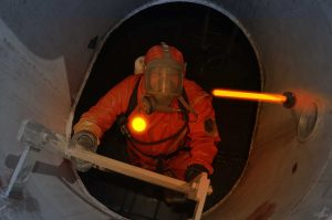Marqueur et bâton lumineux Cyalume pour travaux de maintenance dans le nucléaire et la pétrochimie