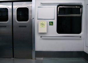 Éclairage d'urgence d'évacuation pour passagers de trains