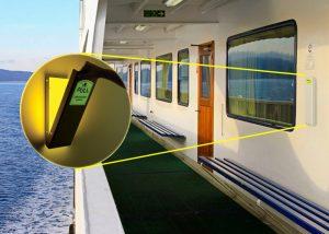 Lumière d'évacuation sur bateau de croisiere
