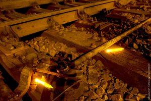 Marquage des dangers sur voies ferrées de nuit