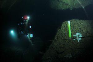 Marquage de point d'entrée de ligne principale en plongée en surface non libre