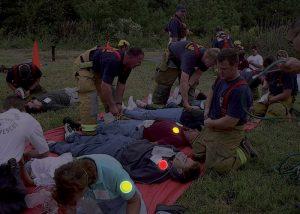 Marquage de vicimes avec balises lumineuses de couleur pour triage médical