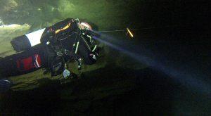 Repérage de ligne de jalon par pompiers plongeurs de la sécurite civile