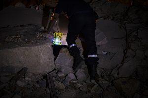 Repérage lumineux de zones en opérations de recherche et sauvetage par pompiers