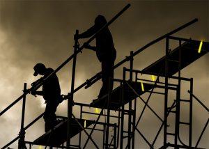 Éclairages d'appoint sur échaffaudages pour travail en hauteur
