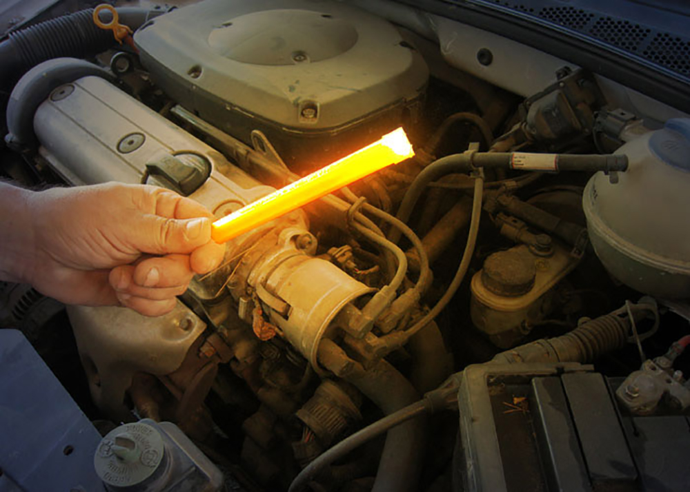 15cm light stick can be used to examine the engine in the event of a breakdown
