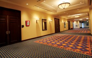 Boitier Lightstation de batons lumineux dans couloir d'hôtel