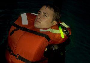 appel au secours homme à la mer