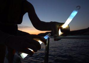 repérage du bateau au mouillage avec marquage blanc