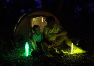 Éclairage d'appoint sur tente de camping