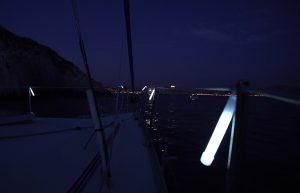 Identification et marquage de voilier au mouillage dans une crique