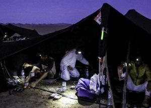 Marquage de tente sur campement sur marathon des sables