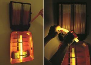Lightstation modèle 20 ouverte avec bâtons lumineux Cyalume pour évacuation individuelle