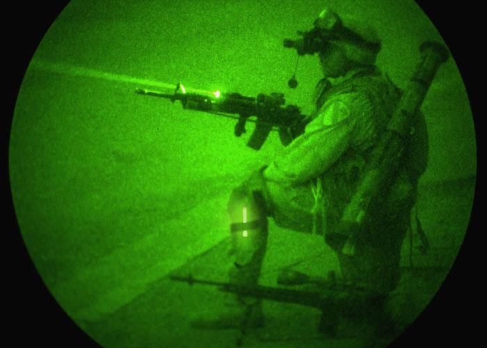Mini infrarouge baton lumineux identification au combat