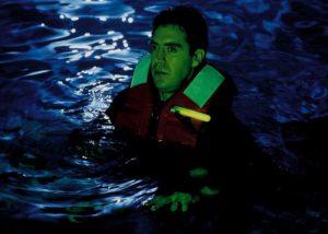 Balise lumineuse en cas d'homme à la mer