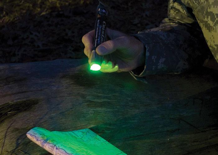 baton lumineux chemlight 10cm pour kits de survie