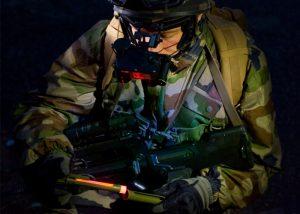 écran kaki pour contrôler quantité de lumière émise par bâton lumineux