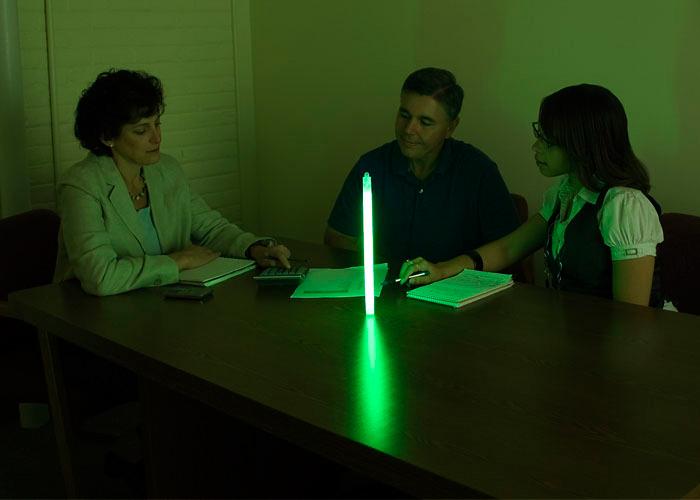 lumière d'appoint avec tube lumineux vert cyalume