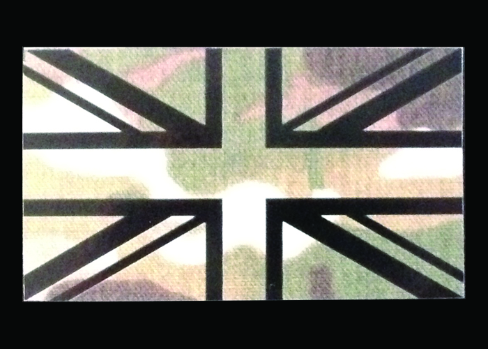 drapeau IR avec fond camouflage