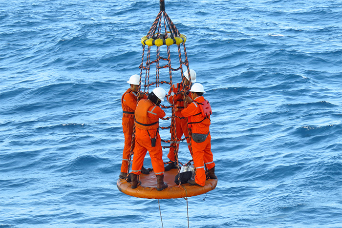 offshore personnel transfer with Cyalume